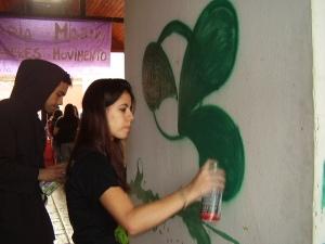 Pekena no painel de grafite do MnV 2008
